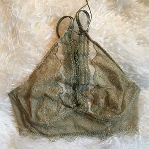 Gorgeous Lace Victoria's Secret Bralette NWT